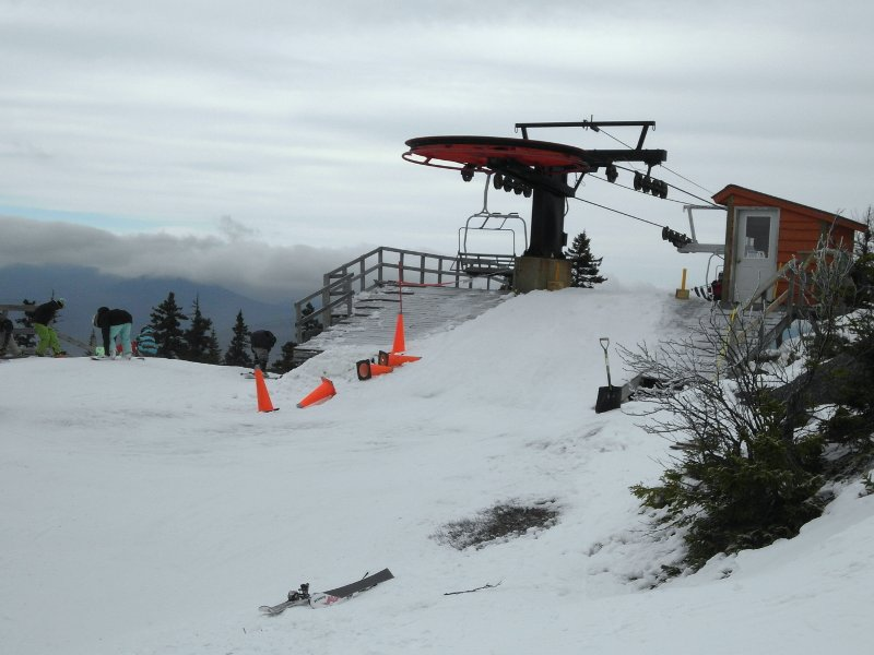 Unloading the Locke Mountain Triple Chair